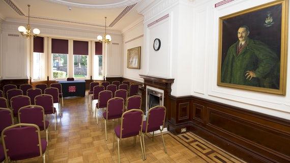 Cardiff Uni Meeting Room